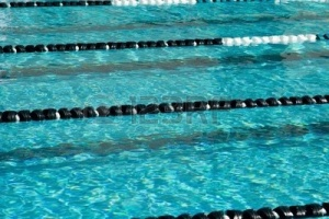 886492-the-water-texture-patterns-of-a-competitive-swimming-pool-after-a-race